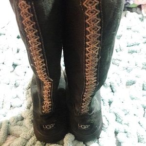Womens sz 8 Taller UGG leather boots, great shape